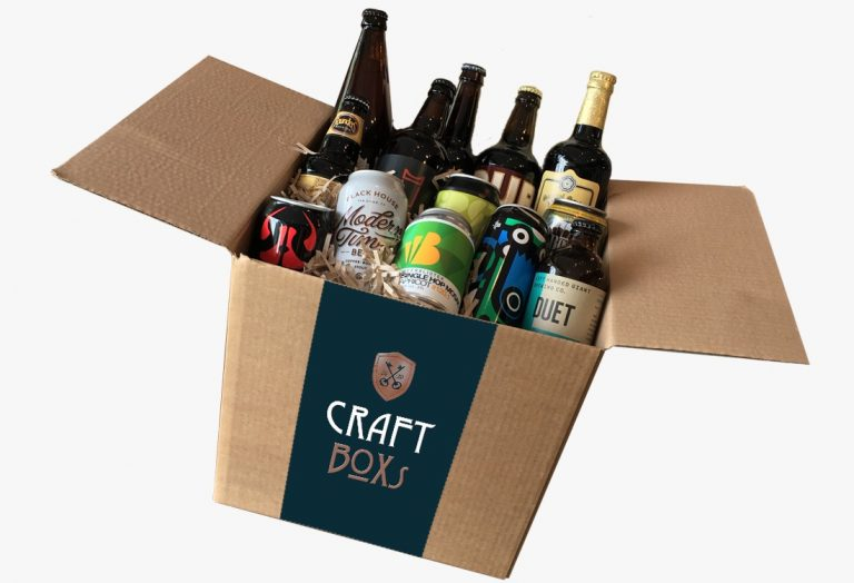CraftBox - Doos met 12 bieren met witte achtergrond.